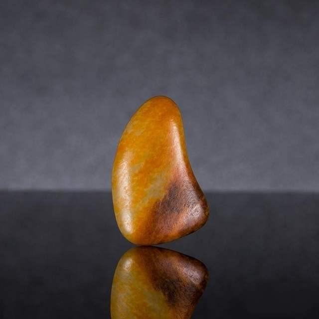 如何判断玉石的真假 在哪里买玉保真